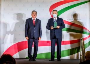 Farkas Sándor, Vajdahunyad vár, október 23 állami kitüntetés